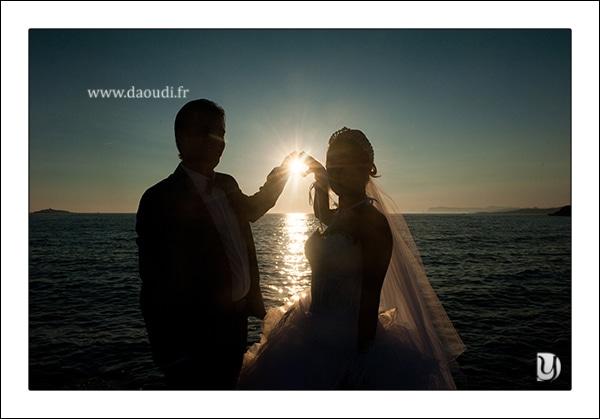 photo couple mariage gitan coucher de soleil