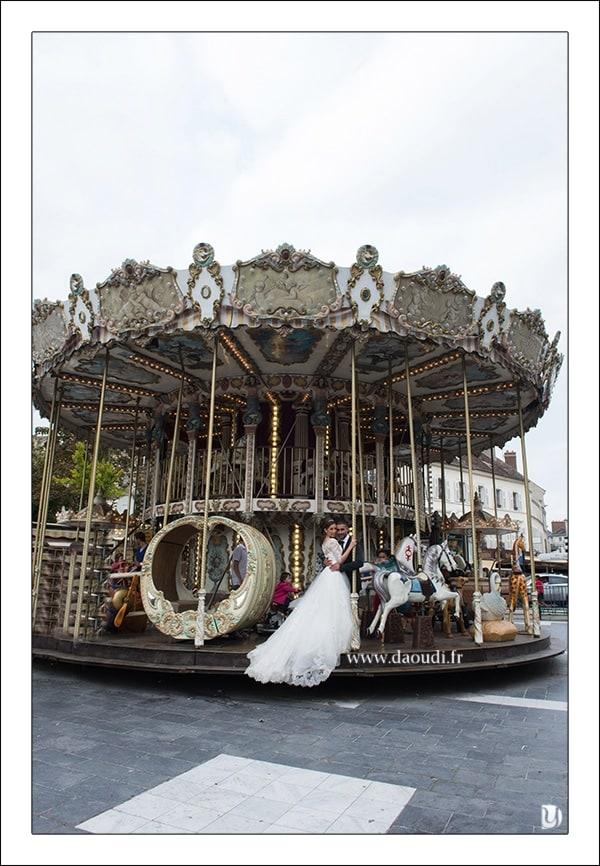 Carrousel mariée à Paris
