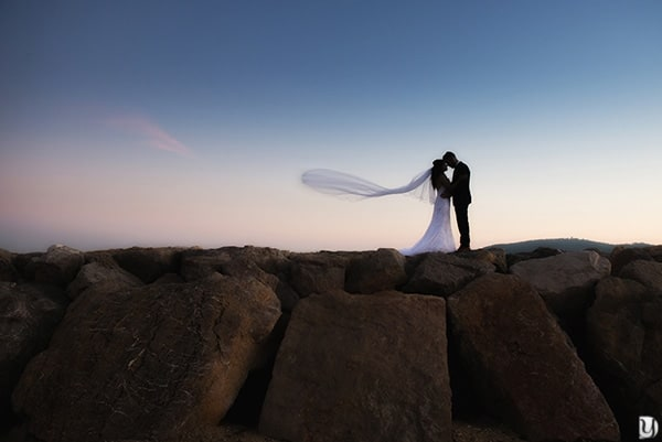 Photos couple mariage en bord de mer