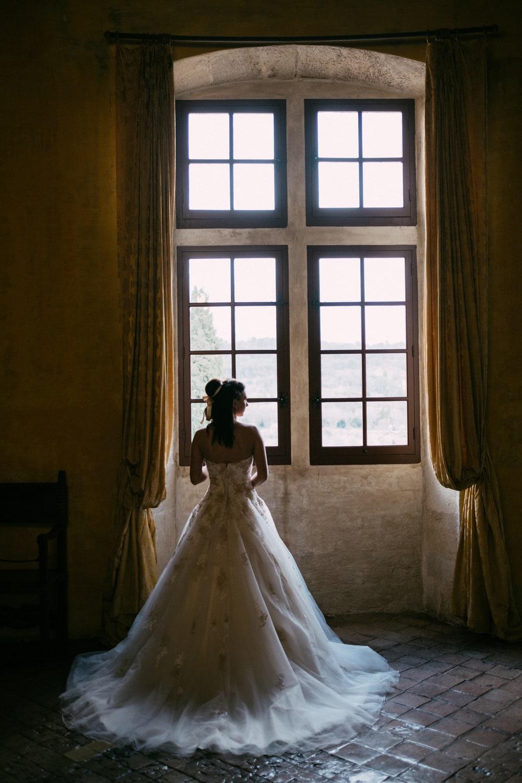 La marié qui attend son mari