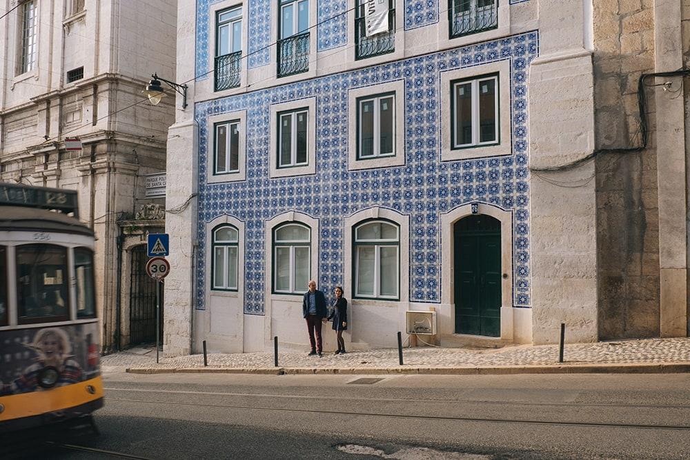 Passage funiculaire à Lisbonne